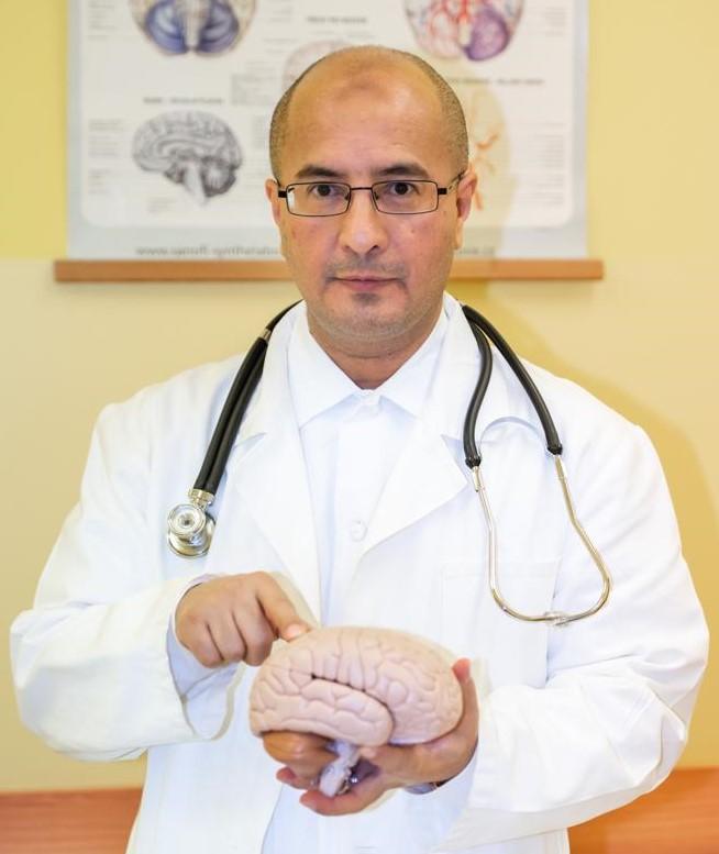 الدكتور حسين السريحي - مخ وأعصاب