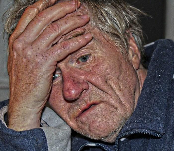 болезнь Альцгеймера, амилоидные бляшки
