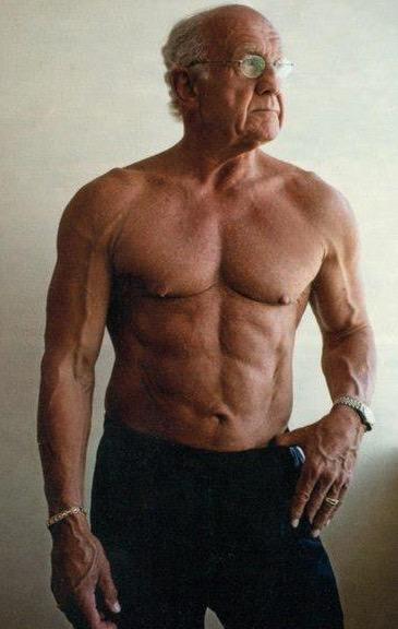 возрастное уменьшение мышечной массы, силы, Миостатин