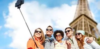 health-risks-of-taking-selfies