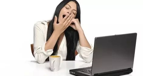 social-presence-decreases-contagious-yawning