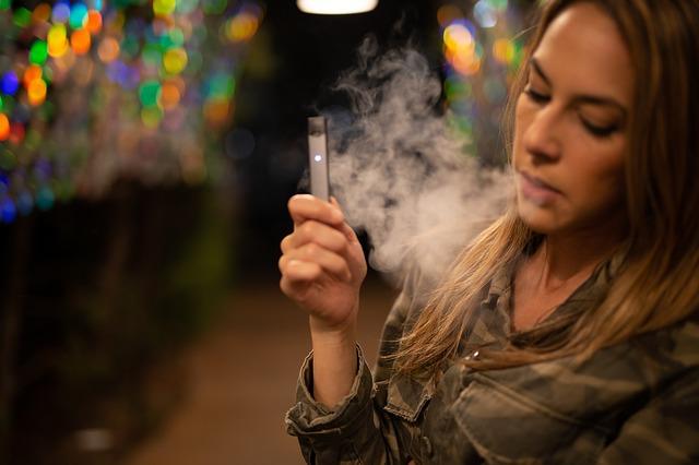 teen smoking and vaping