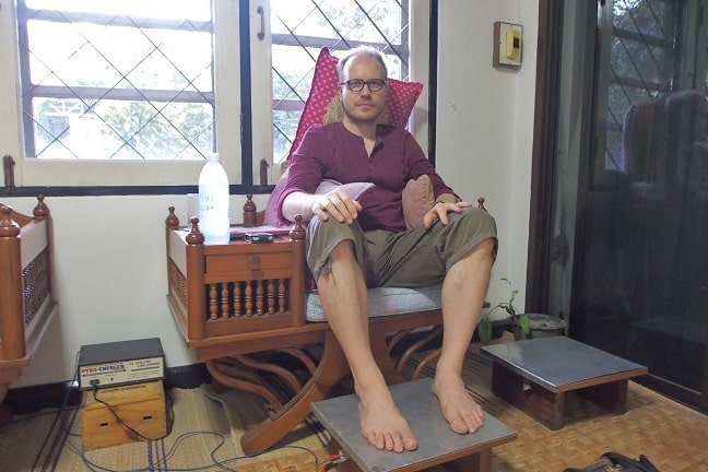 Experimenting Pyro-Energen treatment at Chiang Mai Ayurvedic Center