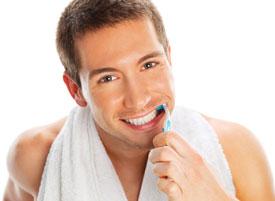 Как же правильно чистить зубы, чтобы сохранить их здоровье. Когда можно чистить зубы после удаления зуба и как это правильно делать