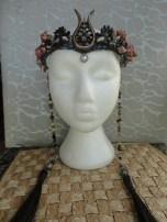 Stunt Double crown w side bead strands