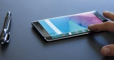 El Galaxy S6 Edge tiene sus pantallas laterales curvas que lo hace un móvil doferente y vanguardista