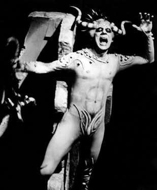 Treigle as Mephisto