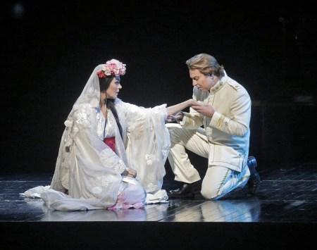 Kristine Opolais and Roberto Alagna