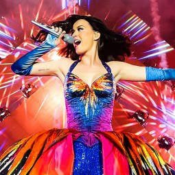 Katy Perry with fireworks and a lot of bright, primary colors!