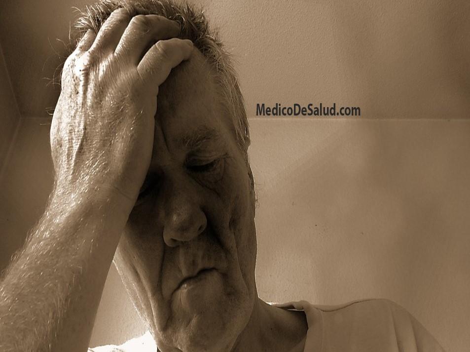 Dolor que se irradia desde el cuello hasta la parte superior de la cabeza