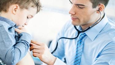 ¿Cómo se trata el reflujo ácido infantil?