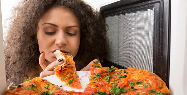 Aprenda a parar de comer emocionalmente