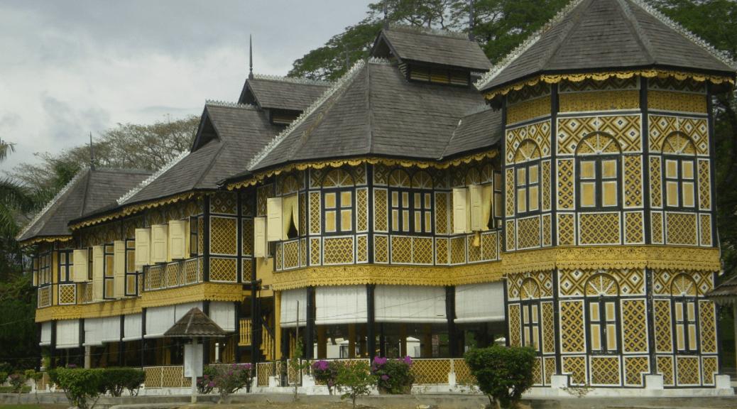 Kenangan Palace Image in Kuala Kangsar, Perak, Malaysia, built in 1926. It today houses the Royal Museum of Perak.