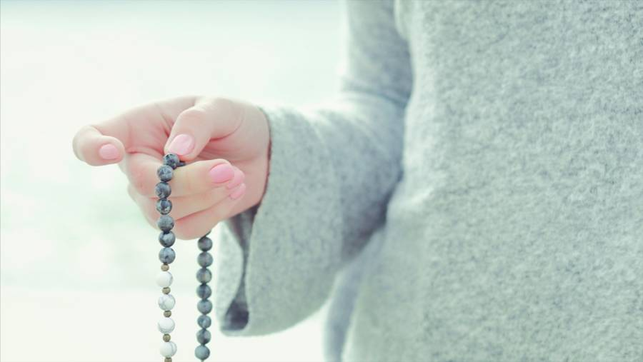 How Mantra Chanting Helps by Meditative Mind