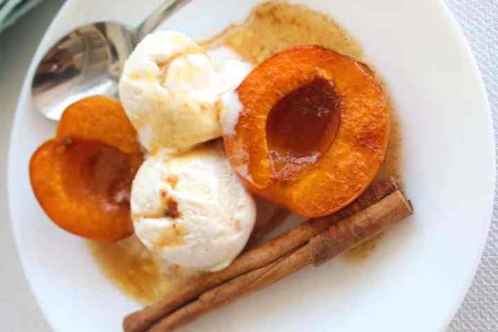 Baked Apricots in butter, cinnamon, vanilla and raw cane sugar served with vanilla ice cream.
