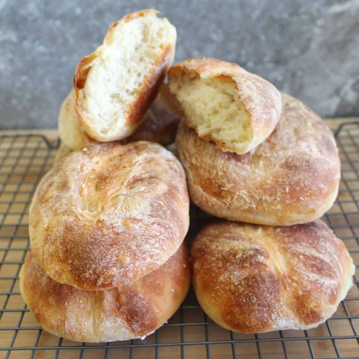 Easy Homemade Bread (5 Ingredients) - Mediterranean Latin Love Affair