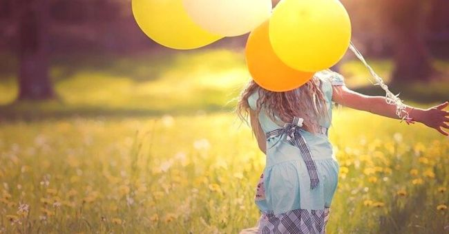 girl-with-balloons