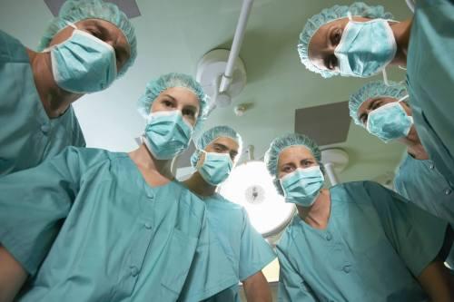 Lösen angestellte Ärzte Gewerbesteuerpflicht aus? Bei schlecht formulierten Arbeitsverträgen kann das sein!