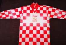 """Photo of """"Vratimo Palčiće u Petrovu"""": Na aukciji i originalni dres Herceg-Bosne s utakmice u Paragvaju"""
