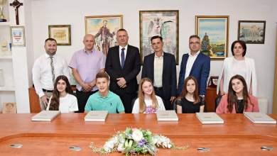 Photo of Općina Čitluk učenicima generacije dodijelila prigodne nagrade