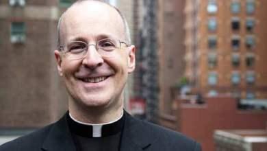 Photo of RASPRAVA O LGBT IDEOLOGIJI Kolumbijski svećenik odgovorio ocu Martinu: Ne smijemo aplaudirati grijehu