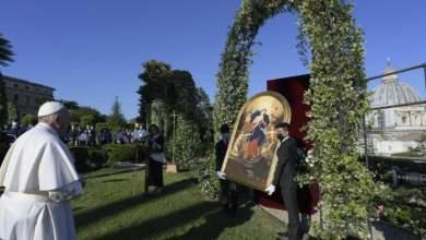 Photo of Papa molitvom u Vatikanskim vrtovima završio molitveni maraton za prestanak pandemije