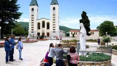 Photo of Sutra na uočnicu Gospinih ukazanja (24. lipnja) hodnja mira, zavjet Gospi, klanjanje, krunica, mise…