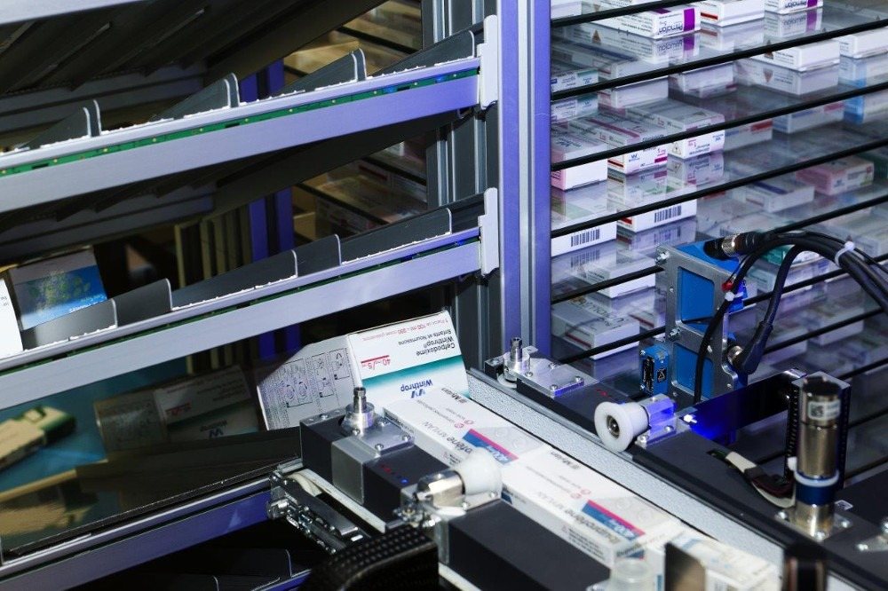 Adaptable dispensary automation – Balancing speed and capacity