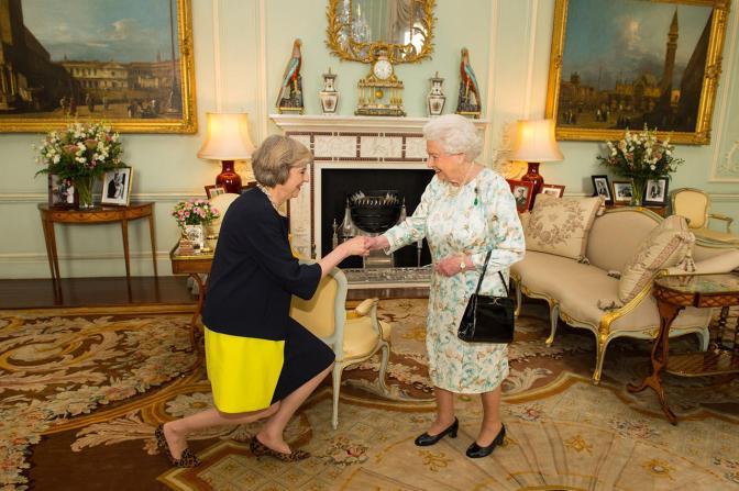 Королева Великобритании Елизавета II с новым премьер-министром Великобритании Терезой Мэй, 13 июля Фото: Dominic Lipinski / PA / Scanpix / LETA