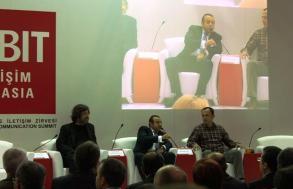 Cebit Konferansı Konuşmacı, Egemen Bağış ve Levent Erden ile, 2012 (CEBIT conference speaker with Ministry of European Union)
