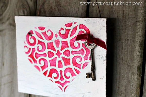 How-to-stencil-a-heart-Petticoat-Junktion-craft-project_thumb