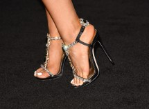 Ariana Grande Red Carpet & Shoes - Meeko Spark Tv