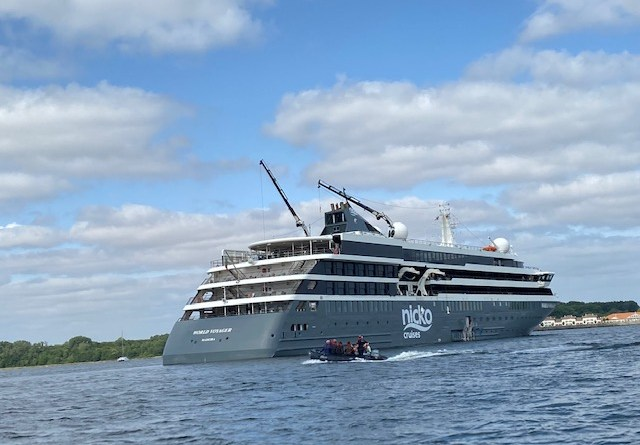 nicko cruises, world voyager, expedition