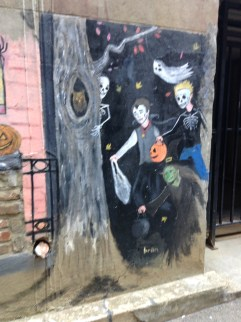 Knoxville Market Square Scary art alley