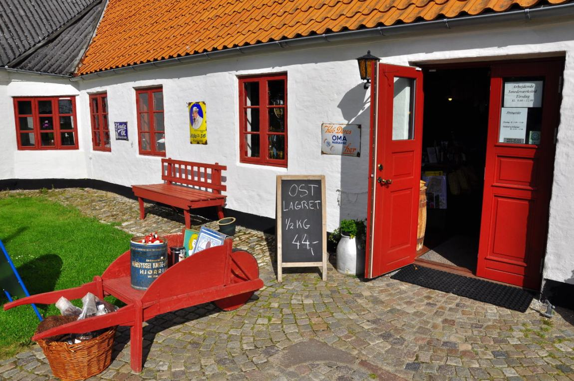 Gammel købmandsgård in Tornby