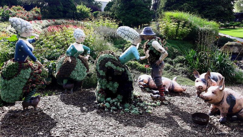 """Blomsterpark mit Märchenszene """"Der Schweinehirt"""""""