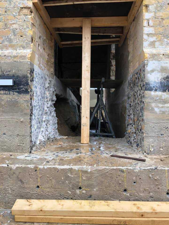 Leuchtturm Rubjerg Knude Fyr - Öffnung zur Verankerung der Eisenträger