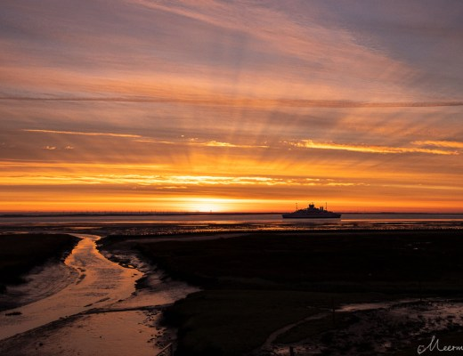 Rømø Fähre nach Sylt bei Sonnenaufgang