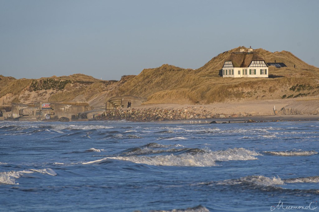 Løkken - Strand im Januar - das bekannteste Haus am Strand