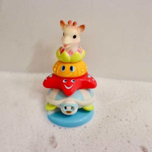 Badplezier met de Splash en Surf pyramide van Kleine Giraf