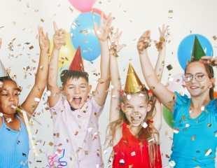 https://www.shutterstock.com/nl/image-photo/bright-cute-children-celebrate-birthday-multinational-1660663351