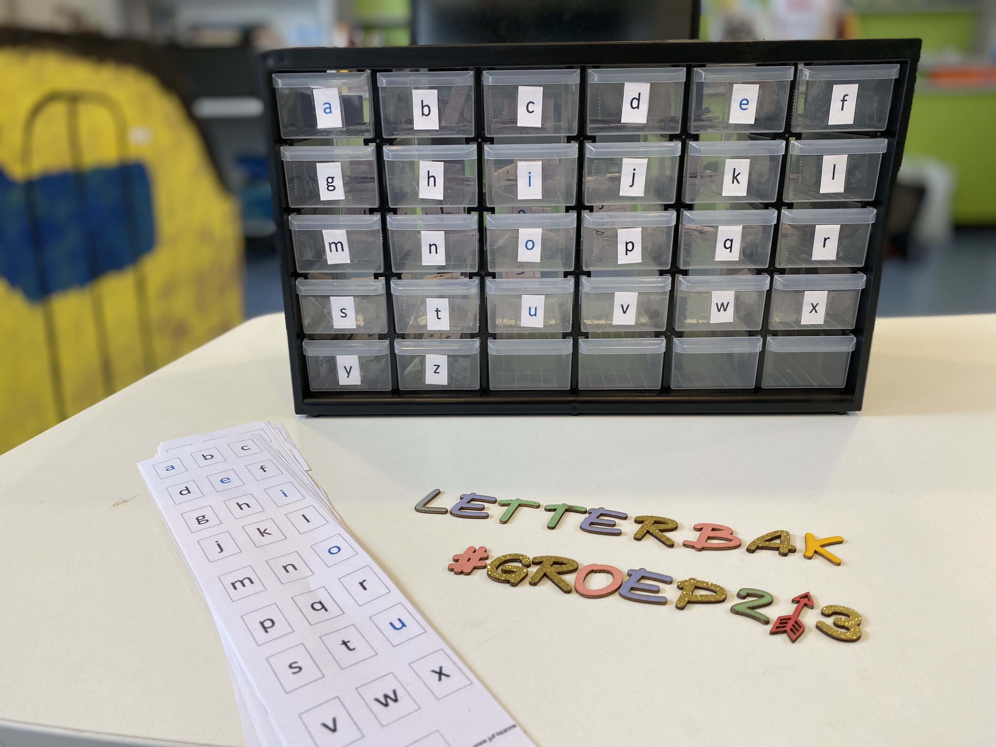 Ladekast vol met letters inzetten in de klas – Letterflat voor groep 2 / 3 + digitale tips