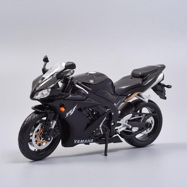 山葉 YZF-R1 黑色電單車
