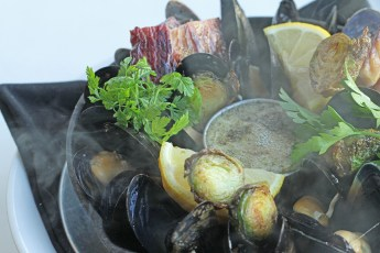 Cast Iron Baked Mussels 2