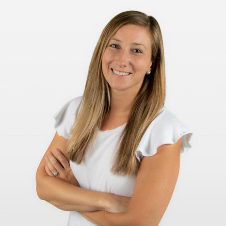 Amy Critzer headshot