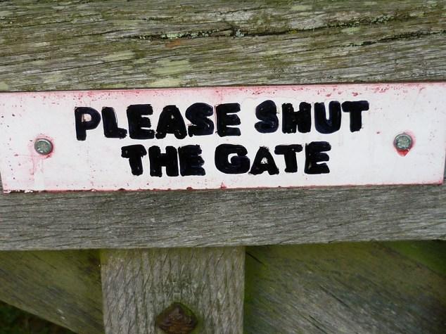 04shut the gate