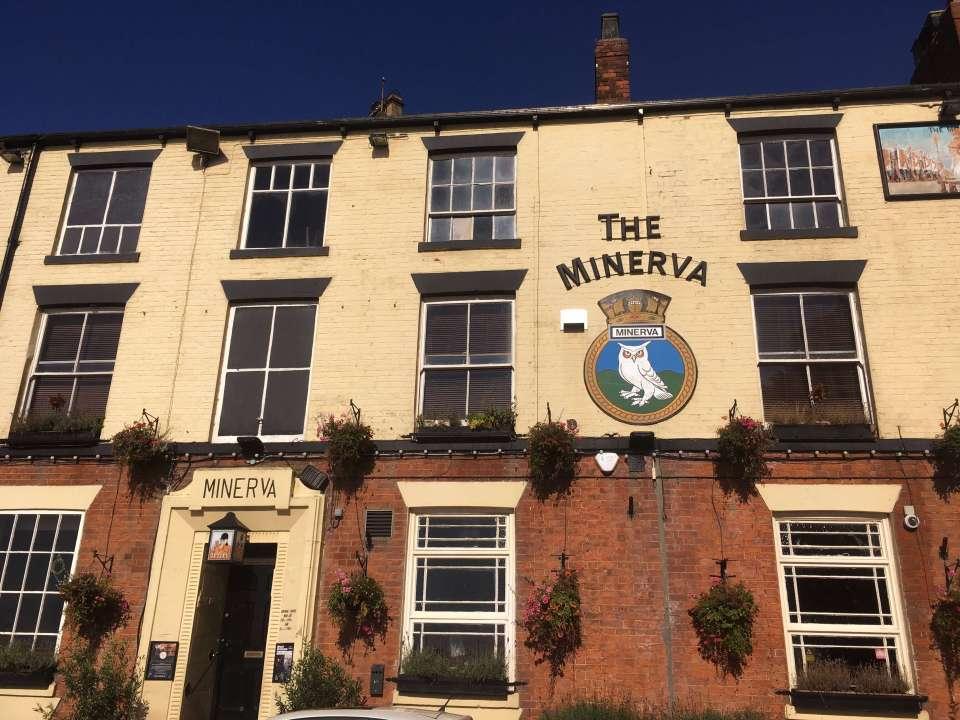 Facade of the Minerva pub, Hull