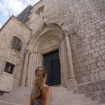 Beautiful UNESCO Walled City of Dubrovnik in Pictures. Photos to inspire you to visit Dubrovnik in Croatia. See Game of Thrones locations. Walled City of Dubrovnik in pictures. #Dubrovnik #Croatia #UNESCO #WalledCity #EuropeBucketList #BeautifulCities #TravelBlogger #BeautifulPhotos #PicturesToInspire #Backpacking #SoloTravel