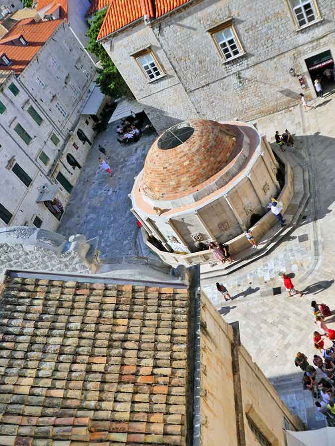 52 Beautiful Pictures of Dubrovnik to give you wanderlust. Photos of Croatia Old City Walls, UNESCO sites, Game of Thrones Locations & the Azure Sea.