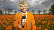 ... moved on towards Rotterdam. Half way, near Schiedam, I had to stop and take a picture of this beautiful field of orange tulips. Of course! When I entered Rotterdam I ...